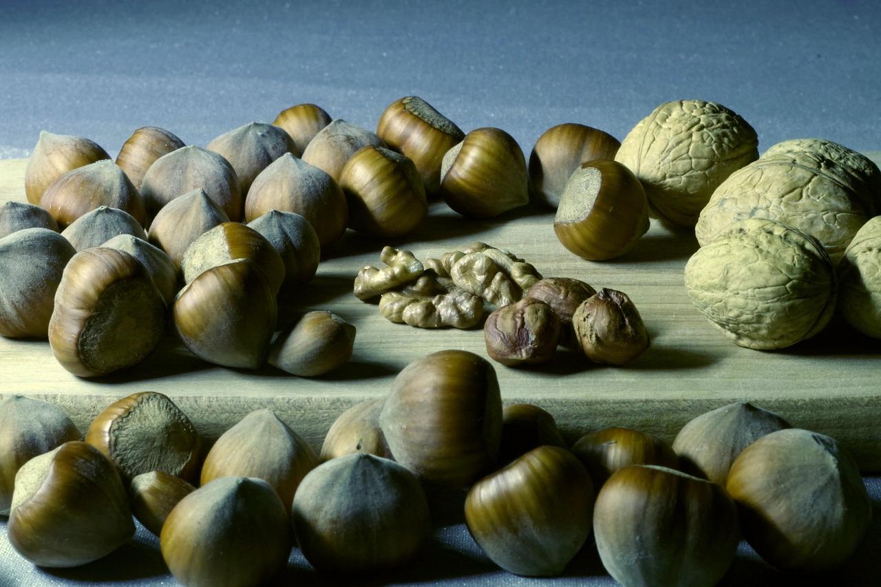Nuts 1261930 1280
